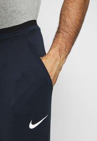 Nike Performance - PANT - Pantalones deportivos - obsidian/obsidian - 4
