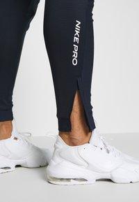 Nike Performance - PANT - Pantalones deportivos - obsidian/obsidian - 5