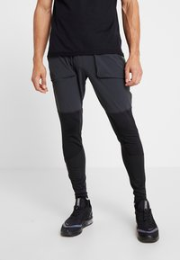 Nike Performance - WILD RUN HYBRID PANT - Joggebukse - black/off noir/habanero red - 0