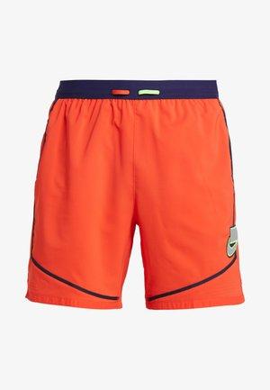 WILD RUN SHORT BRIEF - Sports shorts - habanero red/blackened blue