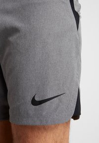 Nike Performance - FLEX REPEL SHORT - Träningsshorts - charcoal heather/black - 4