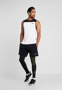 Nike Performance - Punčochy - black/sequoia/scream green - 1