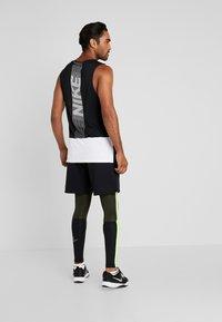 Nike Performance - Punčochy - black/sequoia/scream green - 2
