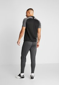 Nike Performance - CHELSEA LONDON FC DRY PANT - Fanartikel - anthracite/black/rush orange - 2
