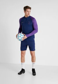 Nike Performance - TOTTENHAM HOTSPURS DRY SHORT - Träningsshorts - binary blue/action grape/binary blue - 1