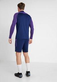 Nike Performance - TOTTENHAM HOTSPURS DRY SHORT - Träningsshorts - binary blue/action grape/binary blue - 2