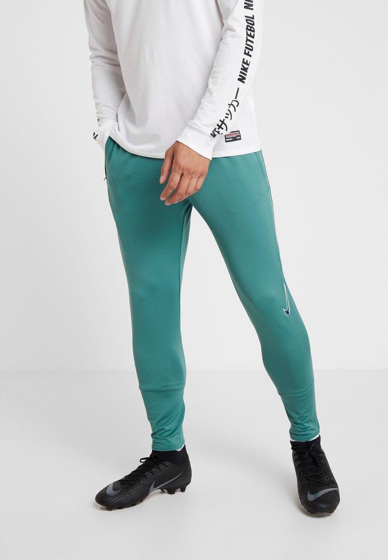 Nike Performance - DRY STRIKE PANT - Pantalones deportivos - bicoastal/faded spruce