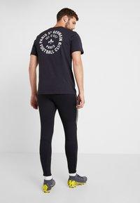 Nike Performance - DRY STRIKE PANT - Träningsbyxor - black/wolf grey/anthracite - 2
