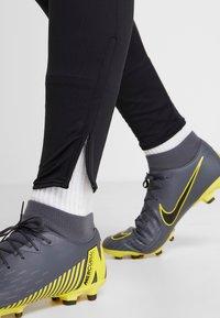 Nike Performance - DRY STRIKE PANT - Träningsbyxor - black/wolf grey/anthracite - 3