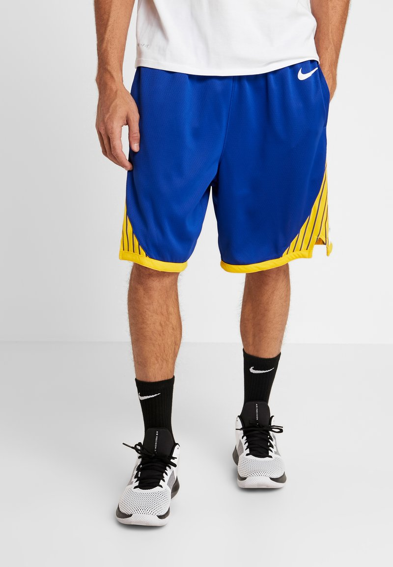 Nike Performance - NBA GOLDEN STATE WARRIORS SWINGMAN SHORT - Korte sportsbukser - rush blue/white/amarillo