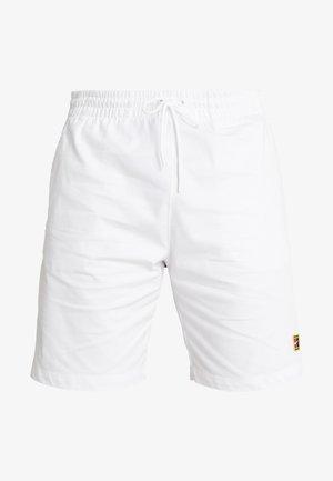 SHORT HERITAGE - Krótkie spodenki sportowe - white