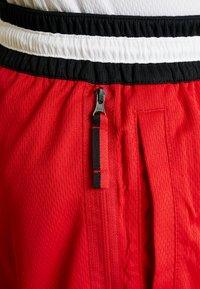 Nike Performance - NBA CHICAGO BULLS DNASHORT - Korte broeken - university red/black/white - 7