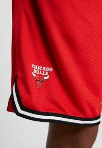 Nike Performance - NBA CHICAGO BULLS DNASHORT - Korte broeken - university red/black/white - 4