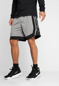 Nike Performance - NBA BROOKLYN NETS STATEMENT SHORT - Krótkie spodenki sportowe - dark steel grey/black/white - 0