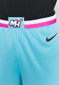 Nike Performance - NBA CITY EDITION MIAMI HEAT SHORT - Korte broeken - blue gale - 4
