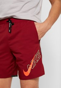 Nike Performance - AIR FLASH STRIDE - Sports shorts - team red/bright crimson - 4