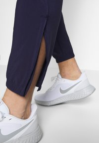 Nike Performance - ESSENTIAL PANT - Pantalones deportivos - imperial purple/reflective silver - 3