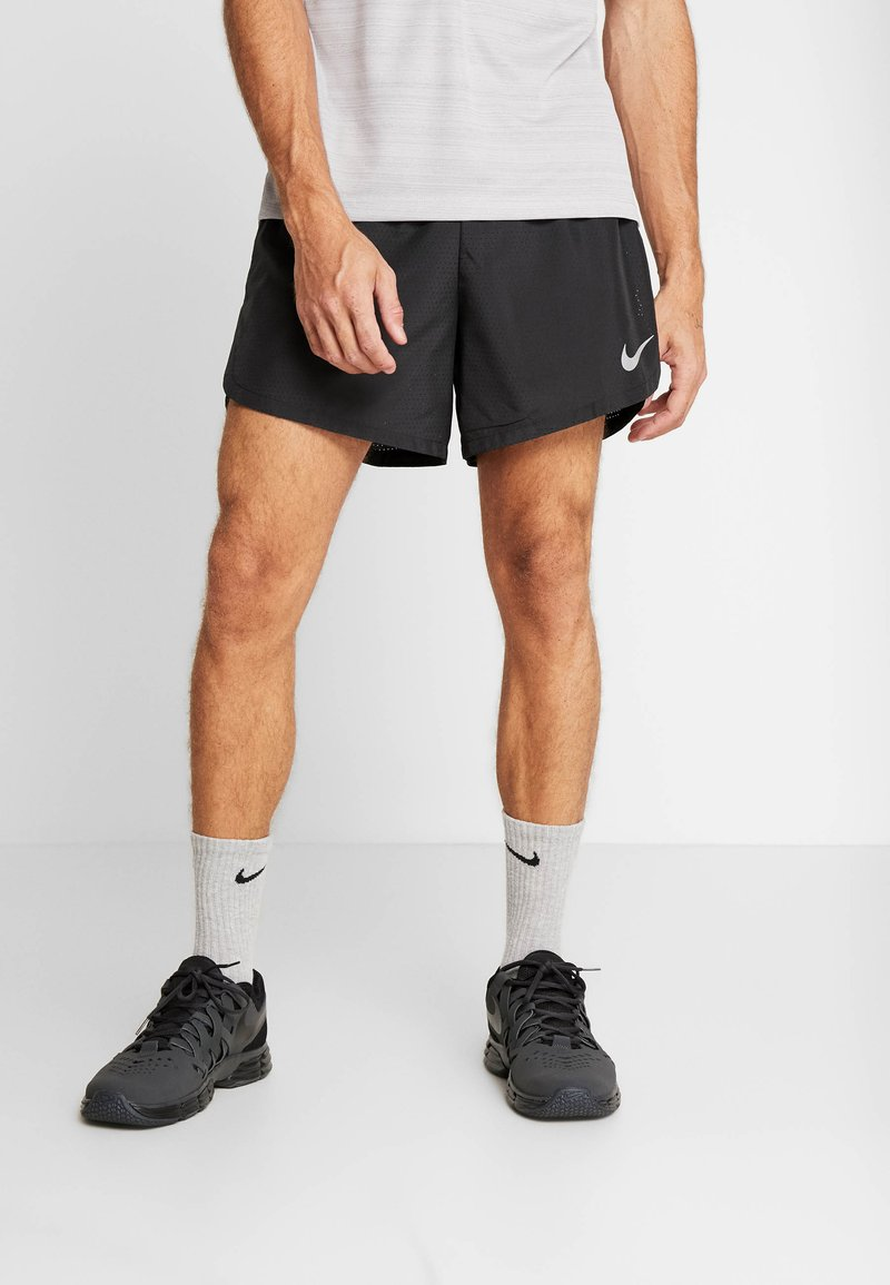 Nike Performance - DRY SHORT FAST - Pantalón corto de deporte - black/reflective silver