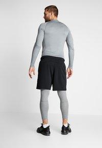 Nike Performance - PRO - Calzamaglia - smoke grey/light smoke grey/black - 2