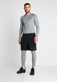 Nike Performance - PRO - Calzamaglia - smoke grey/light smoke grey/black - 1