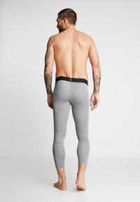 Nike Performance - PRO - Calzamaglia - smoke grey/light smoke grey/black - 4