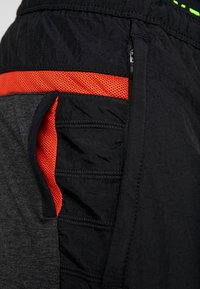 Nike Performance - PANT - Trainingsbroek - black heather/black/scream green - 6