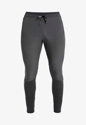 SWIFT PANT - Pantalon de survêtement - dark smoke grey/black
