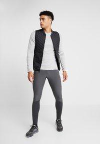 Nike Performance - SWIFT PANT - Pantalones deportivos - dark smoke grey/black - 1