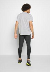 Nike Performance - SWIFT PANT - Verryttelyhousut - black/reflect black - 2
