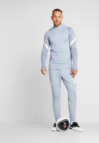 Nike Performance - DRY PANT - Jogginghose - obsidian mist/laser orange - 1