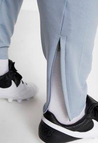 Nike Performance - DRY PANT - Jogginghose - obsidian mist/laser orange - 3