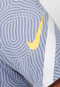 Nike Performance - DRY STRIKE SHORT - Pantalón corto de deporte - obsidian mist/diffused blue/laser orange - 5