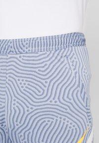 Nike Performance - DRY STRIKE SHORT - Pantalón corto de deporte - obsidian mist/diffused blue/laser orange - 3