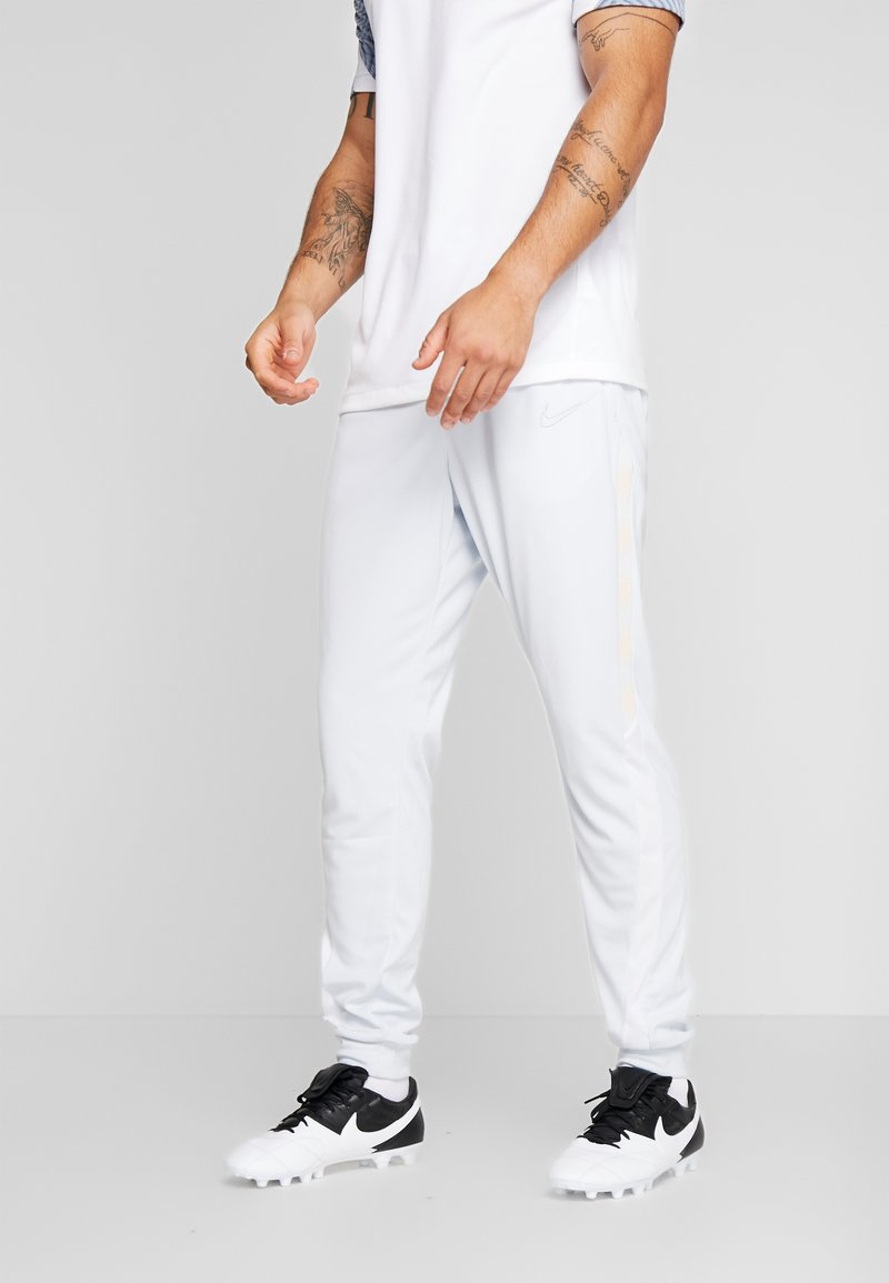 Nike Performance - DRY PANT - Pantalon de survêtement - pure platinum/white/silver