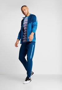 Nike Performance - DRY PANT - Pantaloni sportivi - valerian blue/laser crimson - 1