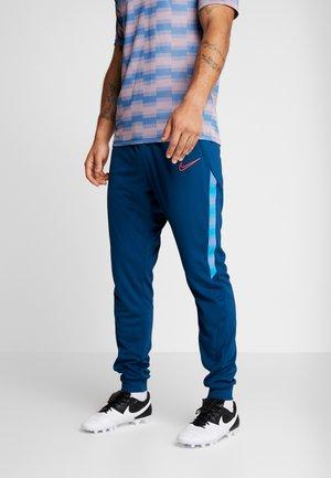 DRY PANT - Pantalon de survêtement - valerian blue/laser crimson
