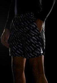 Nike Performance - SHORT  - Sports shorts - black/silver - 4