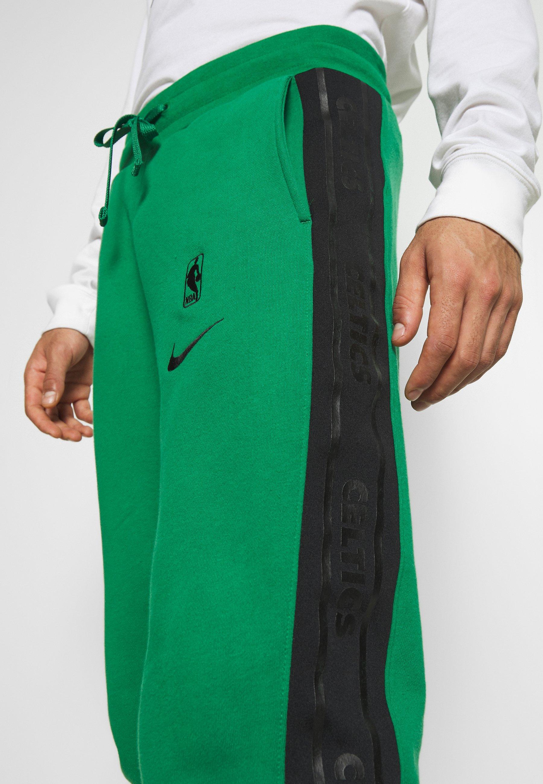 Nike Performance NBA BOSTON CELTICS COURTSIDE PANT - Artykuły klubowe - clover/black