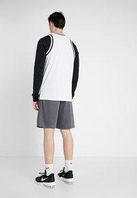 Nike Performance - DRY SHORT - Sports shorts - iron grey/white - 2