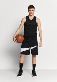 Nike Performance - DRY SHORT - Urheilushortsit - black/white - 1