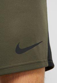 Nike Performance - DRY SHORT - Pantalón corto de deporte - cargo khaki/black - 3
