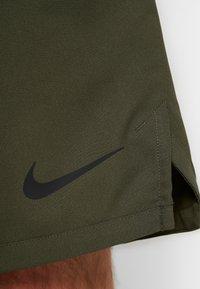 Nike Performance - VENT MAX 3.0 - Pantalón corto de deporte - cargo khaki/black - 5
