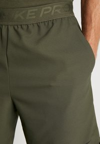 Nike Performance - VENT MAX 3.0 - Pantalón corto de deporte - cargo khaki/black - 3