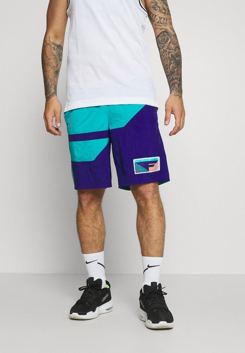 Nike Performance - FLIGHT SHORT - kurze Sporthose - regency purple/teal/mountain blue