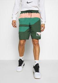 Nike Performance - FLIGHT SHORT - Pantaloncini sportivi - galactic jade/evergreen aura/pink quartz - 0