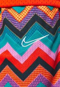 Nike Performance - DRY CITY EXPLORATION DNA SHORT - Sports shorts - regency purple/white - 5