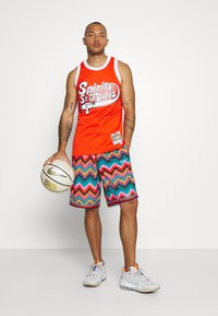 Nike Performance - DRY CITY EXPLORATION DNA SHORT - Sports shorts - regency purple/white - 1
