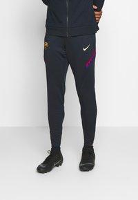 Nike Performance - FC BARCELONA DRY PANT - Teplákové kalhoty - dark obsidian/sonic yellow - 0