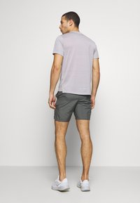 Nike Performance - RUN SHORT - kurze Sporthose - iron grey/reflective silver - 2