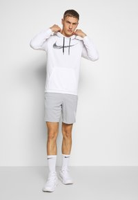 Nike Performance - DRY SHORT  - Pantalón corto de deporte - light smoke grey/white - 1